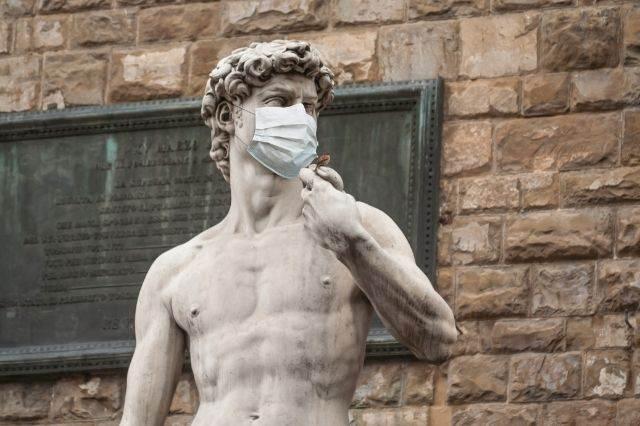 David con mascarilla en Florencia