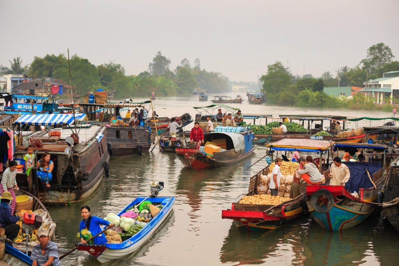 aldeas y los mercados flotantes en la desembocadura del río Mekong