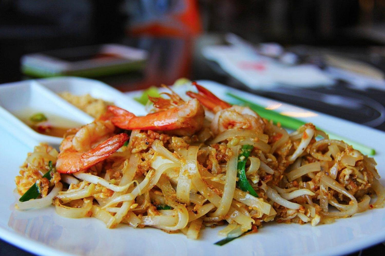 plato típico tailandés