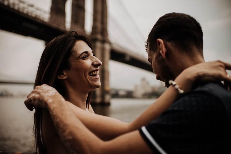 Sheila y Daniel en el puente de Brooklyn
