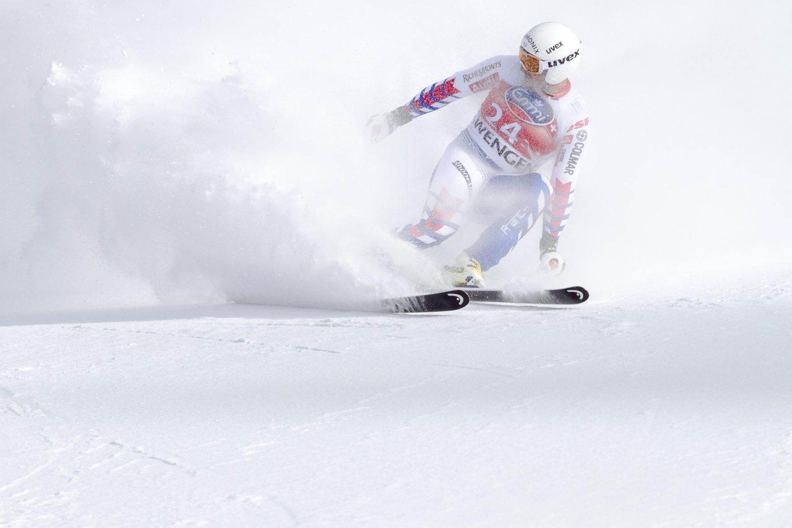imagen de un deportista esquiando en Argentina en verano