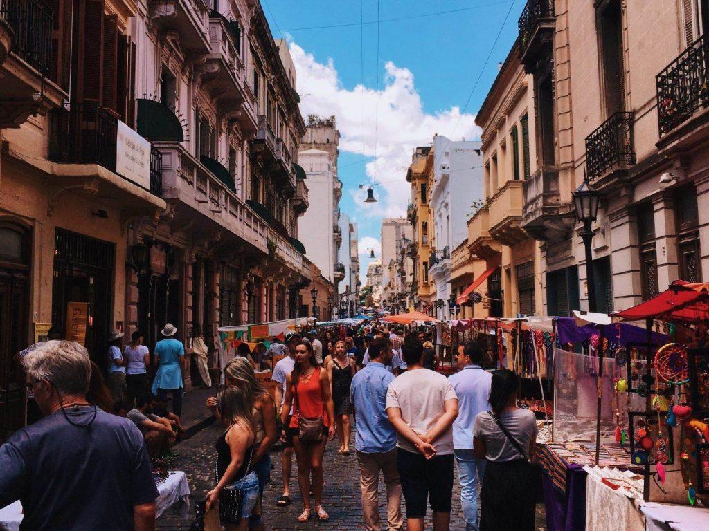 gente en buenos aires consejos para viajar a argentina
