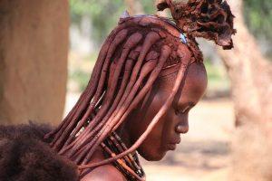 chica de la tribu himba