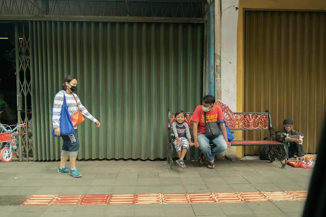 Calle de Indonesia durante el COVID-19
