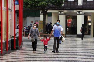 no es peligroso viajar a vietnam por el coronavirus si se cumplen las medidas como esta familia