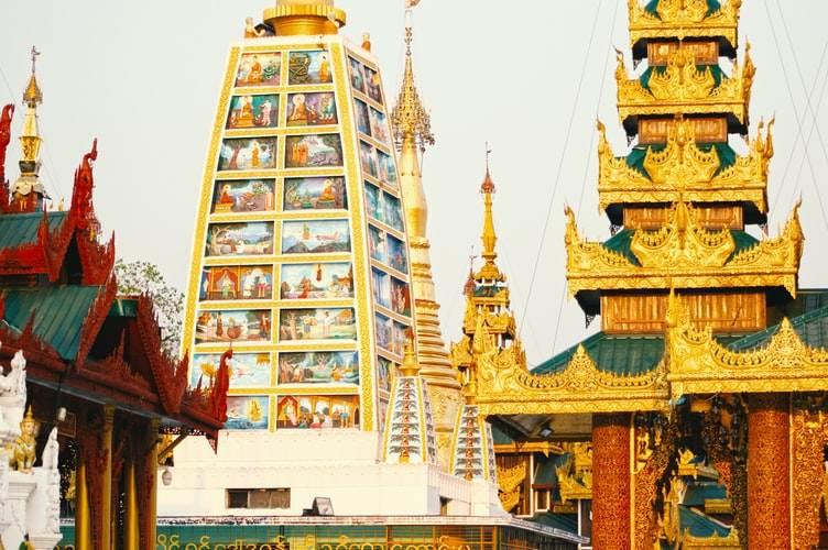 Templo en Yangon, Myanmar