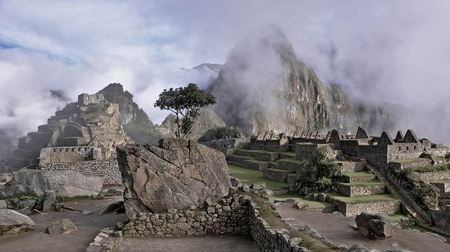 Machu Picchu Perú nublado