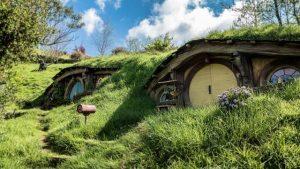 hobbiton, una de las ciudades que ver en nueva zelanda