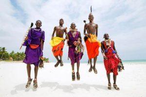 Masais en la playa