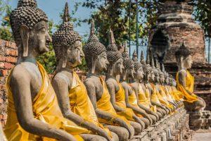 Budas con ropa