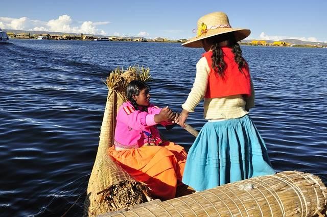 Navegando en el lago Titicaca