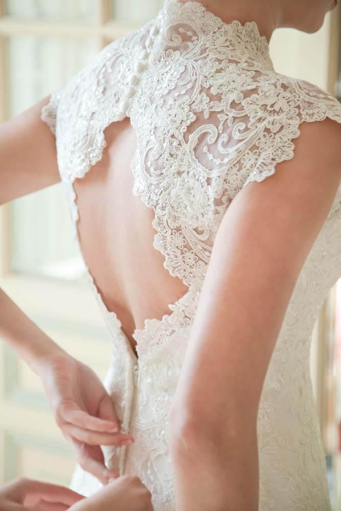 vestido de novia con la espalda abierta