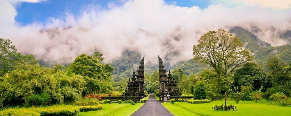 Luna de miel en Bali: exotismo, relax y aventura