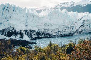 Montañas nevadas en la tierra del fin del mundo, Ushuaia