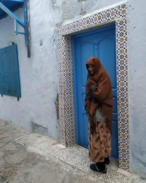 Anciana en la medina de Hammamet