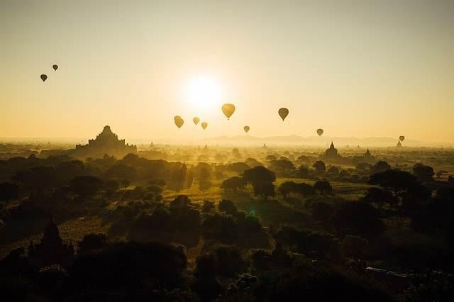 Puesta de sol en Myanmar