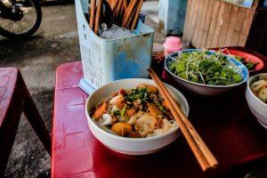 Plato de comida vietnamita