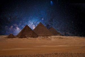Pirámides y estrellas