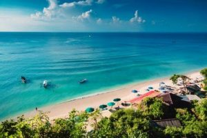 Playa urbana de Bali