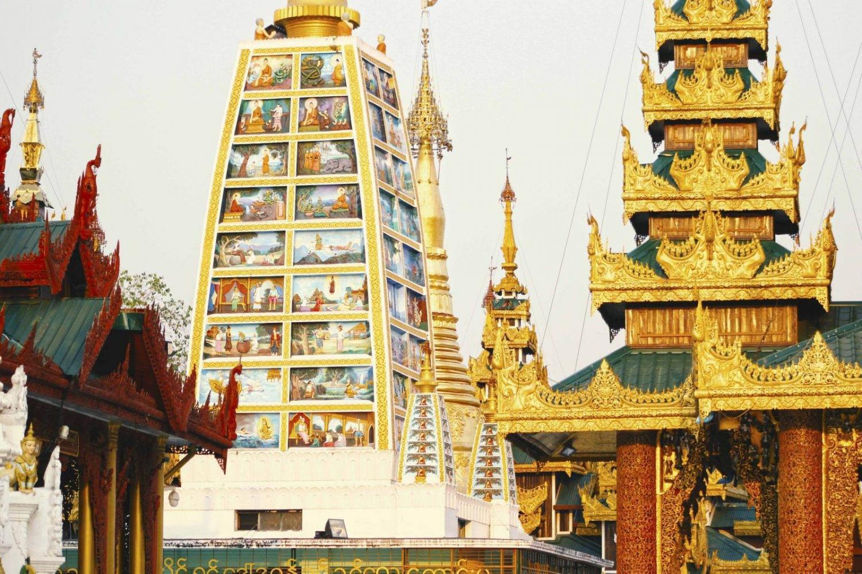 La estupa dorada Shwedagon Paya en Yangón, Birmania