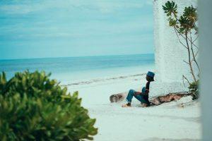 Hombre en Zanzíbar